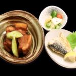 豚の角煮定食(焼き魚付き)