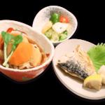 肉じゃが定食(焼き魚付き)